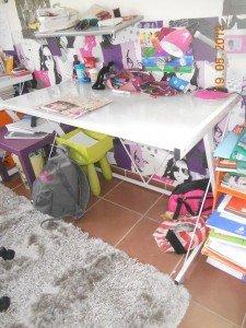 bureau plateau de verre et chaise dactylo dans Mobilier dscn3129-225x300
